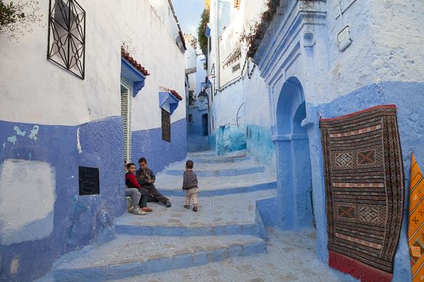 Moroccan children in Chefchaouen