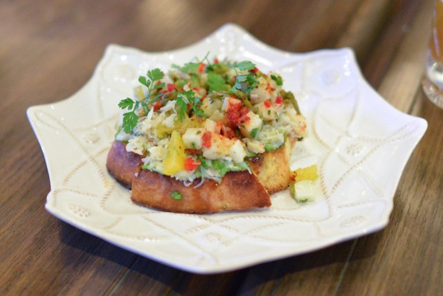 dungeness crab toast jicama, pickled sea beans, green goddess aioli