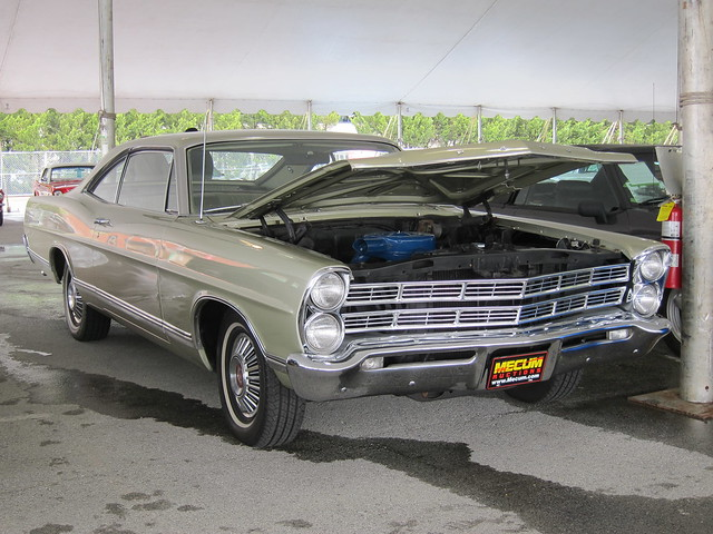 1967 Ford Galaxie 500 b