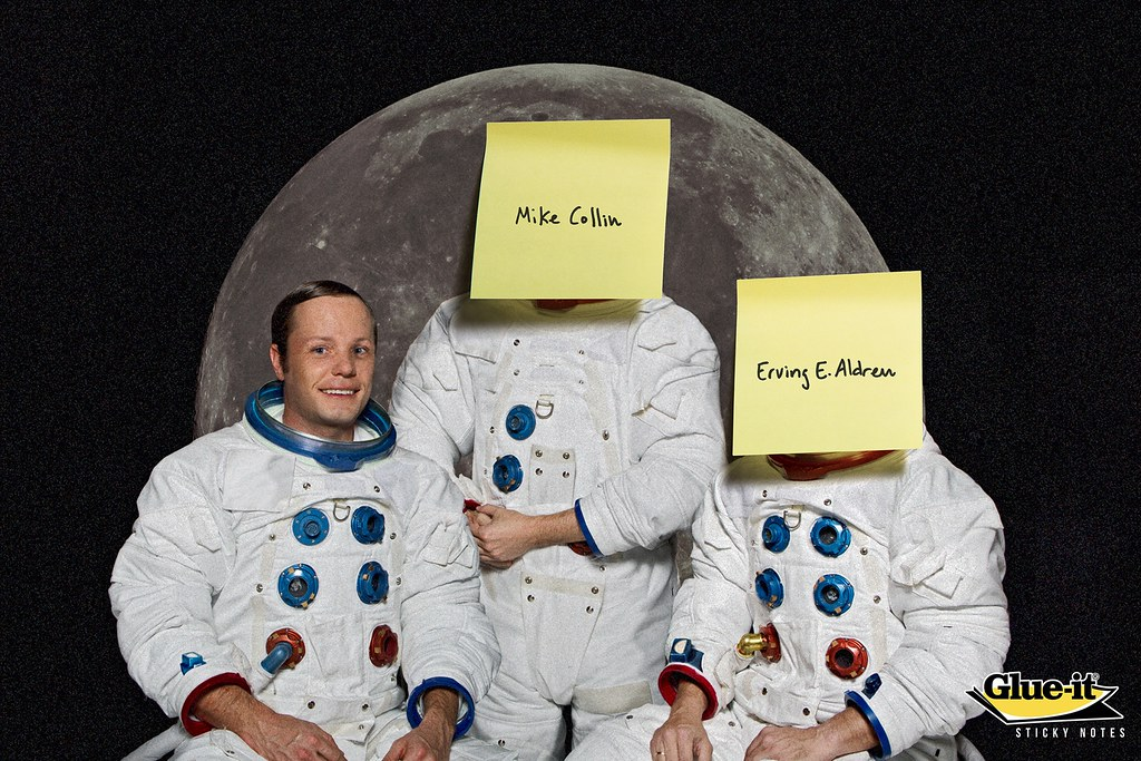Glue It - Man on the Moon