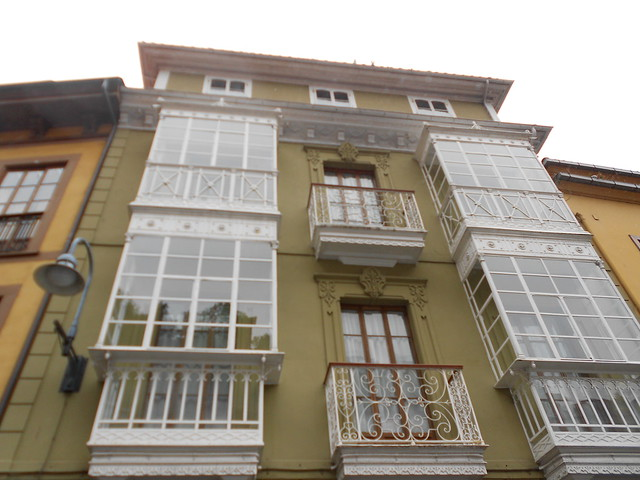 Casa de Indinanos en Cudillero con elementos modernistas
