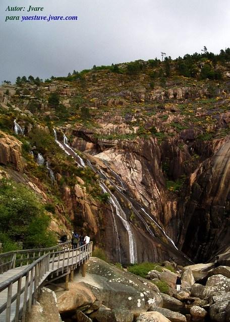 Pasarela acceso Cascada Ezaro