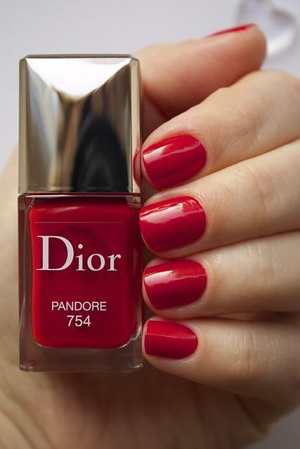 16 Dior 754 Pandore swatches