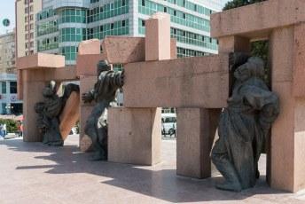 Ruim anderhalf miljoen (!!) Tadzjieken stierven in deze oorlog.
