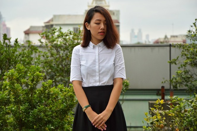 COS white blouse, black midi skirt, red lips, vintage gucci watch
