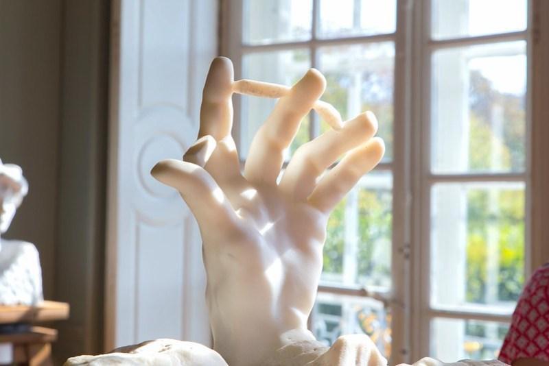Hand | Elsa Brobbey