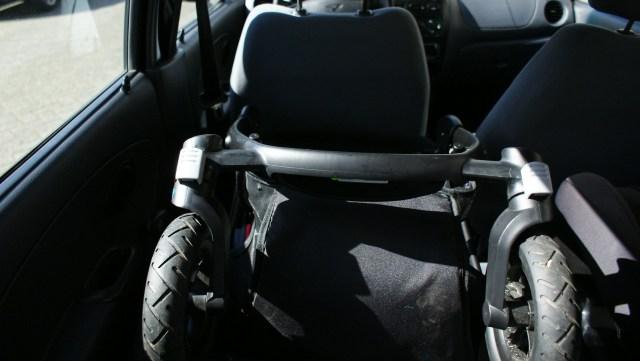 Maxi-Cosi Stella kinderwagen inklappen auto