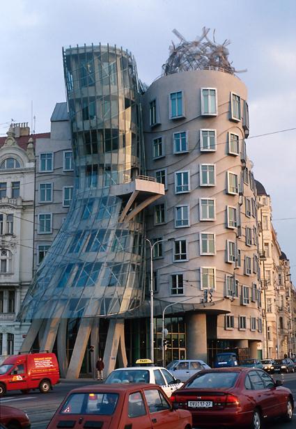 Frank Gehry Nationale-Nederlanden Building 1992-1996 Prague RÇpublique Tchäque ∏ Gehry Partners LLP Uti 425