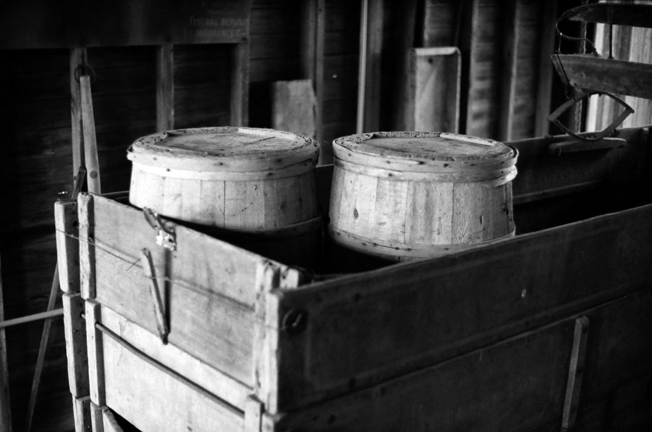 Barrels in a wagon