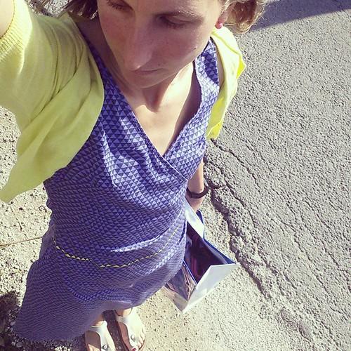 Helemaal in de outfit van de mama nadat ik tijdens het lopen mijn huissleutel verloor. Gelulkig heb ik een mama met dezelfde maat en goede smaak #skunkfunk #TCSSuperheroes #TCSAM14 #marathontraining