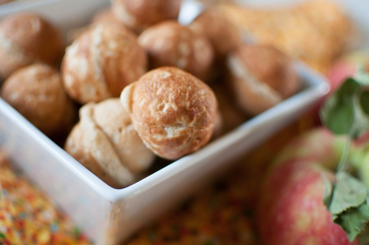 Healthy-ish Apple Doughnut Holes 7