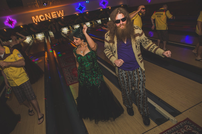 Chelsea Amp Jesse S The Big Lebowski Themed Wedding