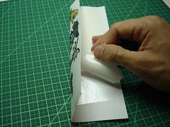 Usando fita adesiva dupla face