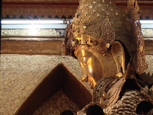 Buda Mahamuni.