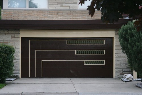 Midcentury garage door