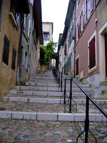 Stairway to the center of Valence.