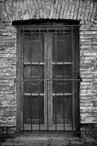 "Uribelarrea • <a style=""font-size:0.8em;"" href=""http://www.flickr.com/photos/20681585@N05/2609871376/"" target=""_blank"">View on Flickr</a>"
