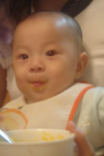 吃紅蘿蔔與馬鈴薯泥 3