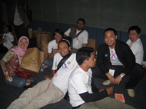 ArusMedia bersama penulis terbaik Indonesia (Ollie - CEO kutukutubuku)