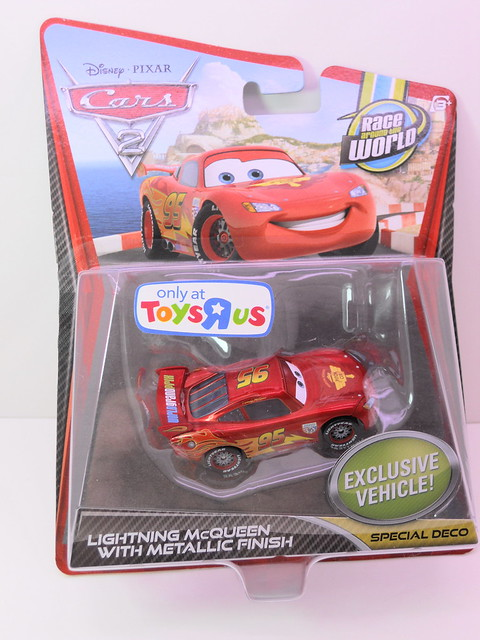 disney cars 2 toys r us exclusive lightning mcqueen with metallic finish (1)