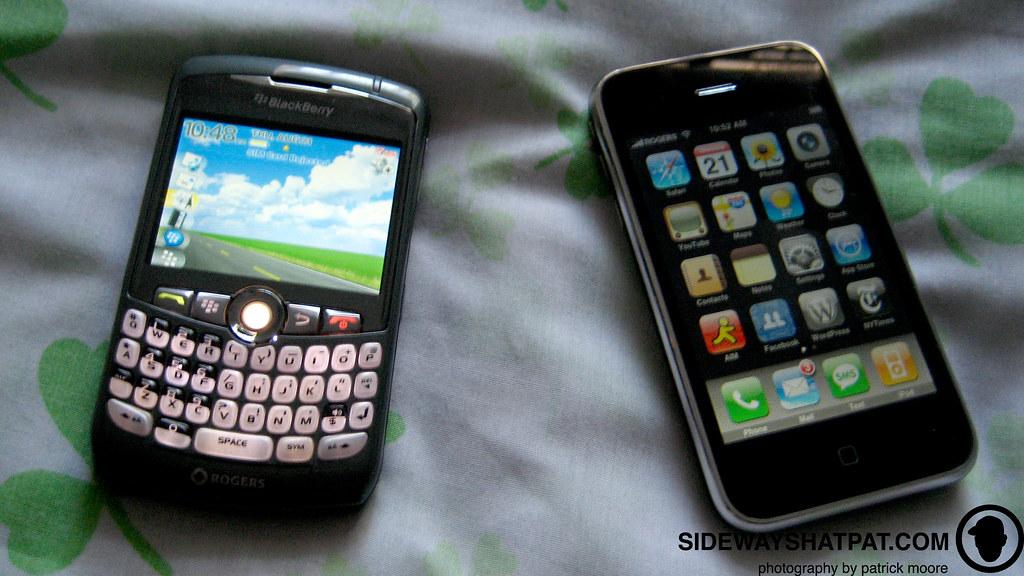 bb_vs_iphone