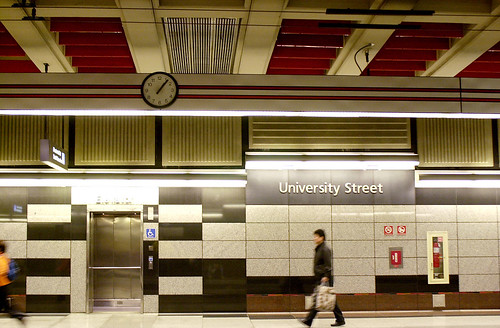 University Street bus tunnel station, 2001