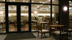 24.西式自助餐的餐廳