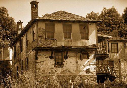 Monastic house near Karyes