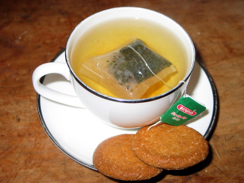 peppermint tea and gingernuts
