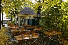 Elisabethmarkt München im Herbst Biergarten - ...