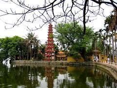 Hanoi_WestLakeTemple4