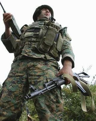 soldado georgiano en Osetia. REUTERS
