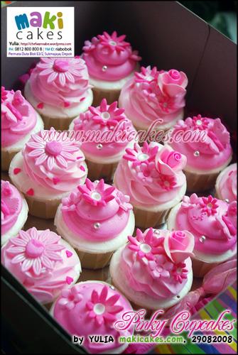 Pinky Cupcakes - Maki Cakes