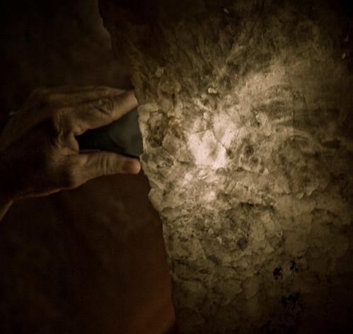 """Sr. Evaristo mostra a """"Pedra Transparente"""""""
