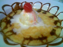 Garden Cafe pancake with ice cream