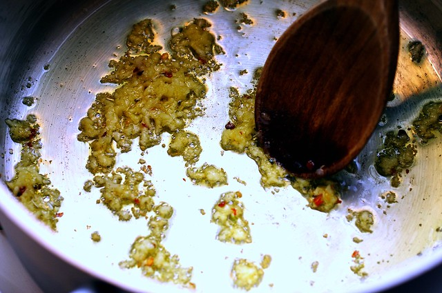 garlic, red pepper, olive oil