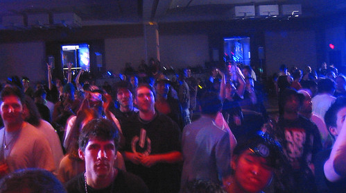 20081010 - Freezepop @ AnimeUSA - 169-6981 - audience watching - please click through to leave a comment on FlickR
