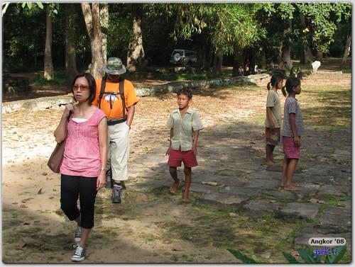 Walking to Tep Pranam