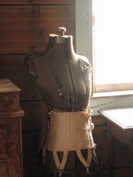 Busto para costura en el pueblo fantasma de Garnet