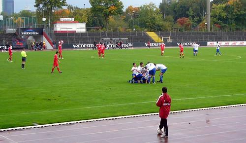 Torjubel nach Daniel Blankenheims 3-1