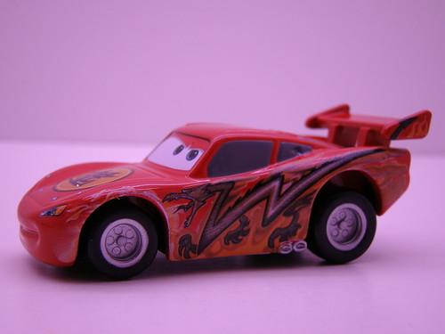 Tomica CARS Tokyo Lightning McQueen