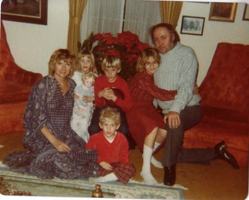 familychristmas80s_0001.jpg