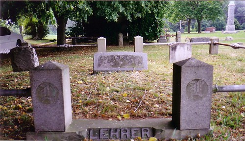 Entrance to the Lehrer Cemetary Plot