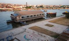 Nachtclub auf der Sava