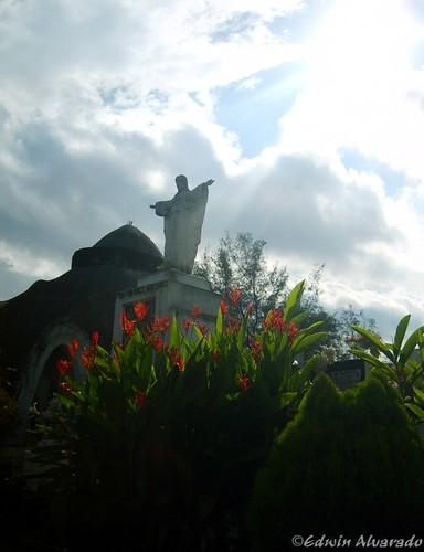 Celestialidad │ Cementerio Los Ilustres