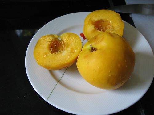 delicious, fragrant mango-nectarines!