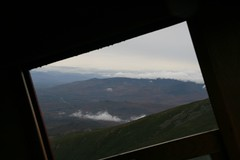 2008-09-27-MtWashCogRwy-descent-horizon-window