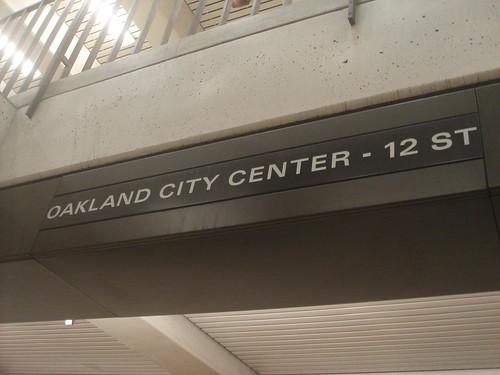 Oakland city center 轉車1