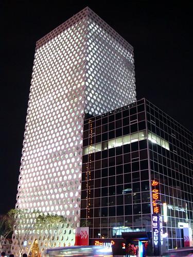 江南 take urban? night