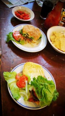 自製美式大漢堡 (by 張家振)